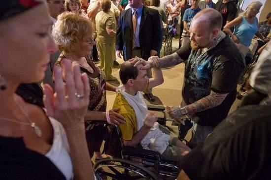 Evangelist Todd Bentley Brings Healing Ministry to