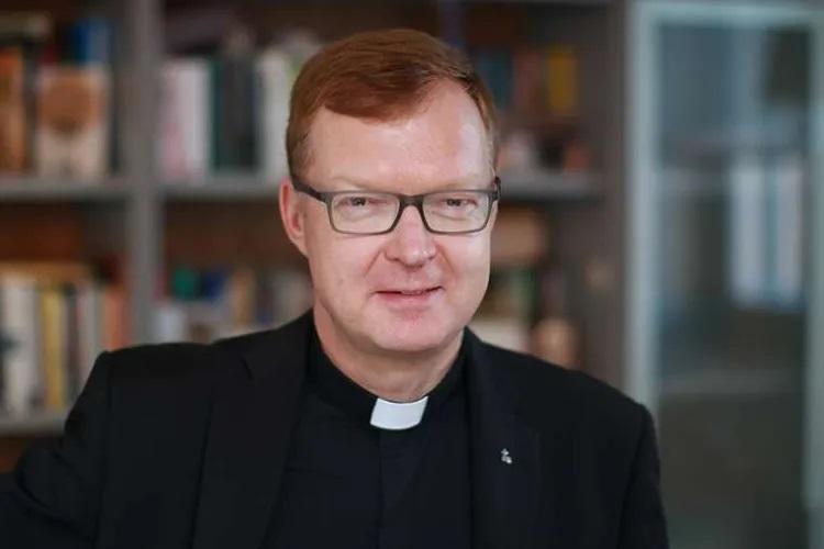 Fr. Hans Zollner, S.J./ Rebecski CC 4.0