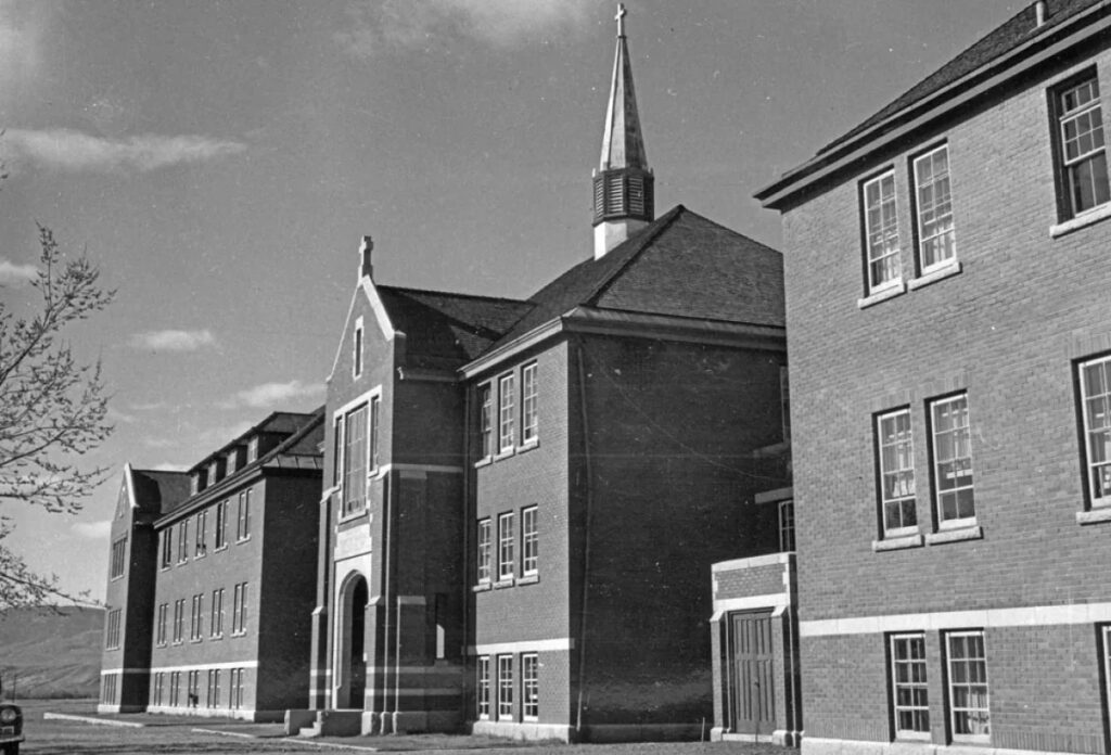 The main administrative building of the former school is pictured in 1970. (Department of Citizenship and Immigration- Information Division / Library and Archives Canada)