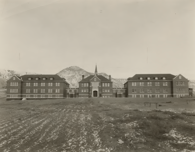The Kamloops Indian Residential School circa 1930 (Photo: Archives of the Oblate Order).