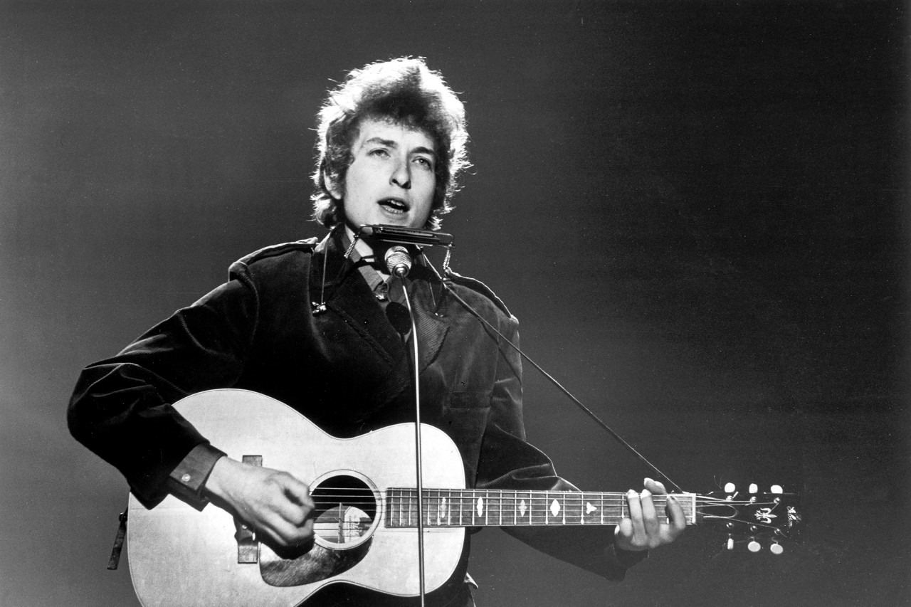 Bob Dylan performing at BBC TV Centre, London, on June 1, 1965. Val Wilmer / Redferns