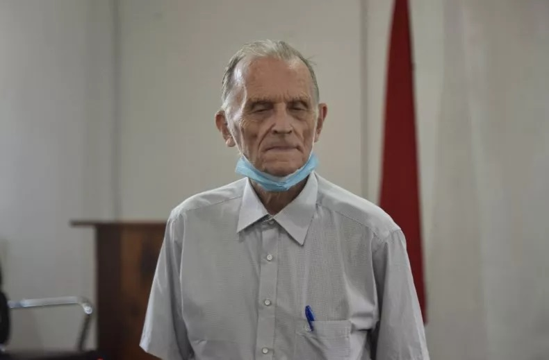 Former Catholic Priest Richard Daschbach was indicted in the U.S. for allegedly sexually abusing minors abroad on Thursday. Daschbach is pictured above during his trial on similar charges in Dili, Timor-Leste, on June 9, 2021. VALENTINO DARIEL SOUSA/AFP/GETTY