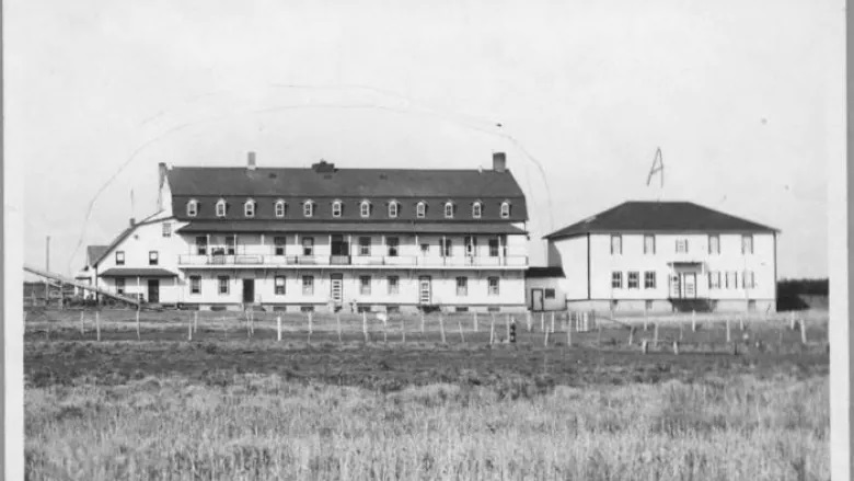 The Ermineskin Residential School in northern Alberta operated between 1895 and 1975. Ground-penetrating radar is now being used to search its grounds for unmarked graves. (Indian Residential School History and Dialogue Centre/ University of British Columbia