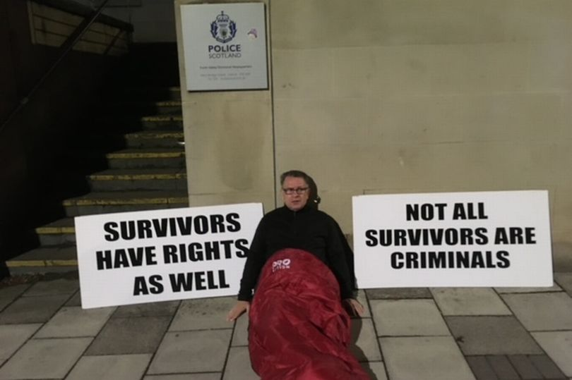 Dave Sharp camping outside Falkirk Police Station. (Image: Dave Sharp)